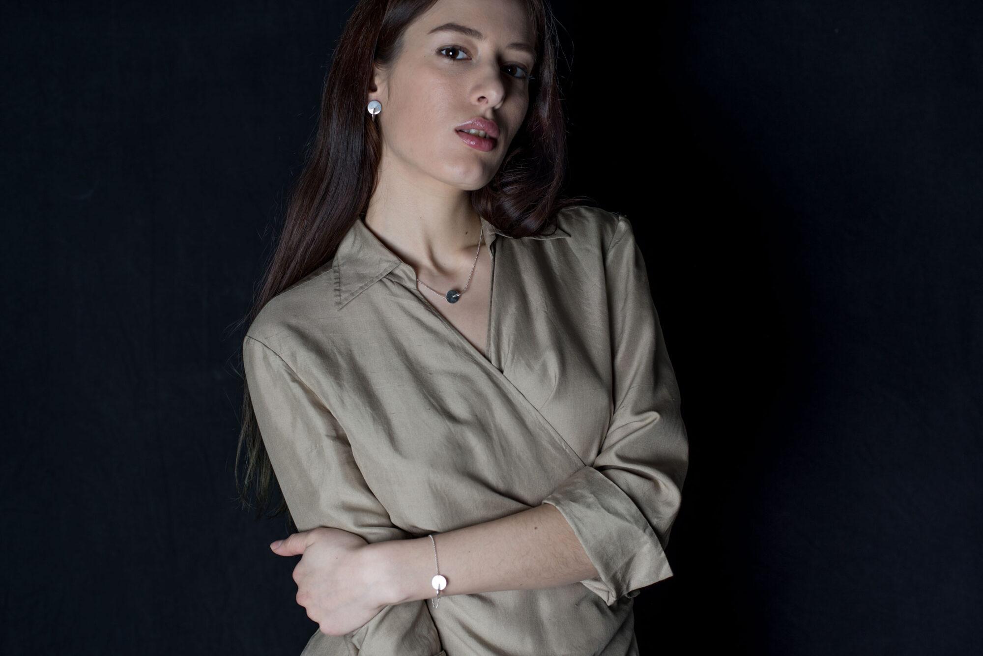 Anna-Kiryakova-Circles-Earrings-Porzellan-Schmuck-3