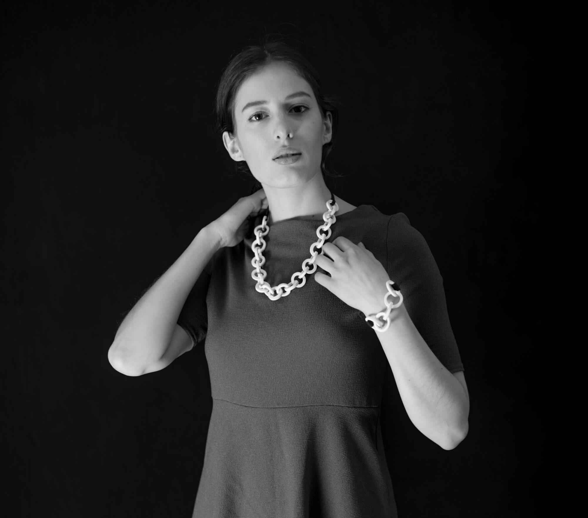 Anna-Kiryakova-Circles-and-String-Collier-Schmuck