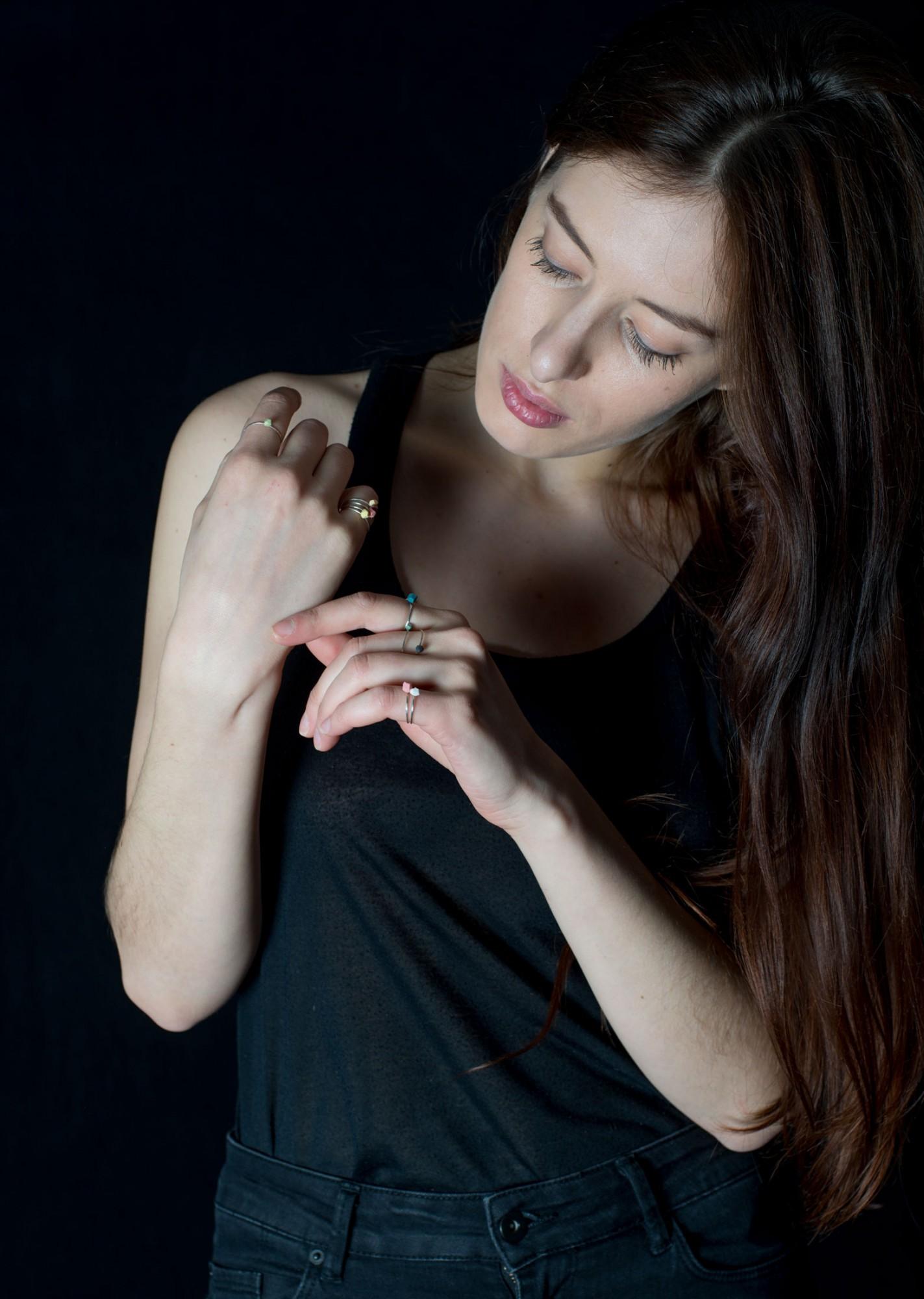 Anna-Kiryakova-Pastel-Rings-Porzellan-Schmuck